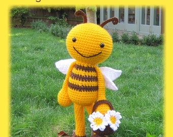 ENGLISH Instructions - Instant Download PDF Crochet Pattern - Huggy Happy Bee