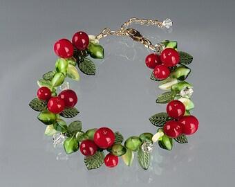 Pepperberry Bracelet,  glass lampwork bead jewelry art glass bracelet for winter, holiday or Christmas.
