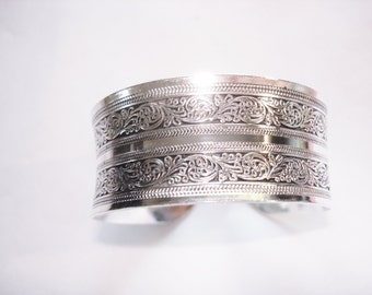 Silver Color Flower Cuff Bracelet