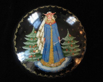 "Russian Palekh Lacquer Box Fairy Tale Painting ""Snegurochka"" The Snow Maiden, Signed"""