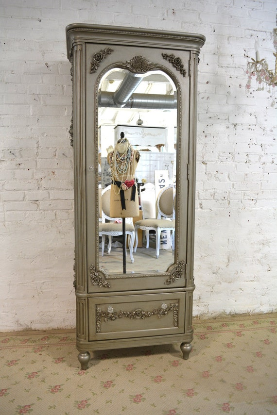 painted cottage chic shabby romantic french armoire am184. Black Bedroom Furniture Sets. Home Design Ideas