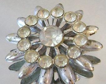 SALE Vintage Rhinestone 1940s Brooch Mum Flower Star Clear Bride Wedding