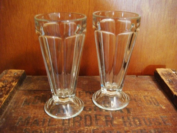 Ice cream soda glasses old fashion soda fountain glasses set for Old fashioned ice cream soda fountain