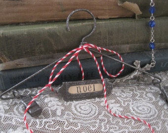 french market petite NOEL metal hanger for photos
