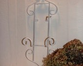Vintage Distressed White Plate Holder Cottage Chic Plate Display Picture Holder Home Decor