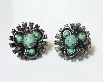Vintage Turquoise Silver Tone Screw Back Earrings