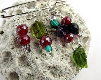 Beaded Shawl Pin - Scarf Brooch - Sweater Pin - Green Leaf