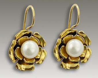 Gold Flower earrings, 14K Gold Earrings, gold pearl earrings, floral earrings, flower earrings, bridal earrings - White Lilac EG2139