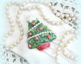 Christmas Tree Pin Christmas Tree Brooch Pin Christmas Tree Jewelry Christmas Jewelry Christmas Brooch Pin Christmas Pin Green Red Xmas Pin