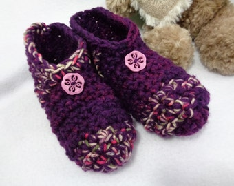 Crochet Slippers in Purple, Size Medium, Womens House Shoes ~Gift for Grandma ~Traditional Slippers ~Warm and Cozy Socks Size 7-9