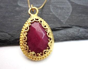 Pink Jade Necklace -- Pink Teardrop Necklace -- Dark Pink Necklace -- Pink Gem Pendant Necklace -- Gemstone Teardrop Pendant Necklace