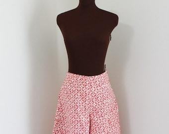 40% OFF SALE SALE Vintage Geometric Print Wide Leg Capri Pants Gaucho Culottes (m)