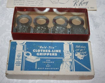 """Vintage 1950s """" Hold Tite """" Clothes Line Grippers New in Box"""