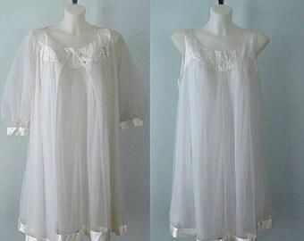 Vintage Peignoir, Vintage Peignoirs, 1970s Peignoir, Gossard Artemis, Bridal, White Chiffon Peignoir, Wedding, Romantic