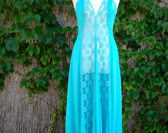 ON SALE Vintage 70s / Turquoise / Lace / Boudoir / Spaghetti Strap / Nightgown / Small/Medium