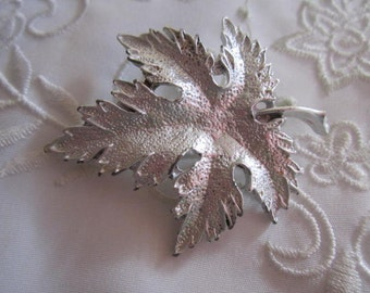 Vintage Silver Tone Leaf Brooch