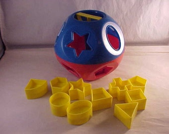 Tupperware Toys Plastic Shapes and Dexterity Sorting Toy Complete