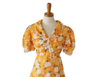 30% off sale // Vintage 70s FLORAL Prairie Dress - Women Small - Orange White flowers, lined full length