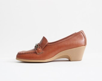 sale // Vintage 70s Gummy Sole Wedge Shoes - Whiskey Brown Leather - Women 7 Narrow - Old Main Trotters