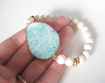 Amazonite and Cream Howlite Stretch Statement Gold Bracelet