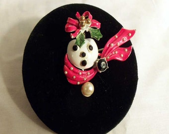Vintage 1950s Snowman Face Brooch w/ Holly and Ribbon Trembler Rhinestones and Pearls