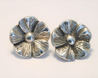 Vintage sterling silver flower earrings. Post earrings