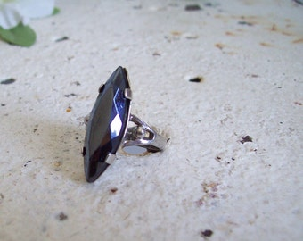 Vintage sterling ring Celebrity NY  marquise cut faux black spinel size 5 free shipping to USA