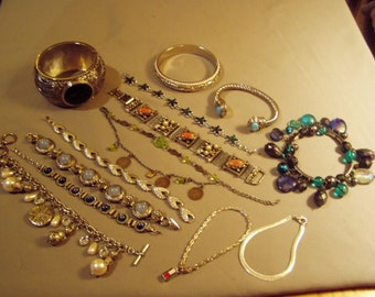 Vintage Lot 13 Silver Tone Bracelets Hinged Cuffs Bangles Charm Link & Chain 8538