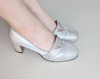 Vintage 1960s Silver and Glitter Party Shoes / 60s High Heeled Chunky Pumps / 7