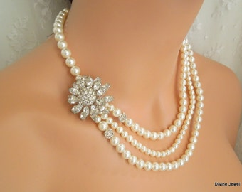 Pearl and rhinestone Necklace Bridal Statement Necklace Rhinestone brooch Necklace Bridal Rhinestone Necklace Crystal Necklace GERTRUDE