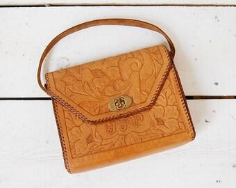 tooled leather bag / 70s leather purse / 1970s saddle bag / Echo Mountain bag