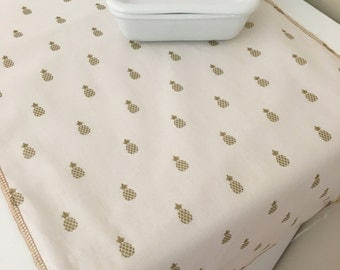 Pineapple Decor    Table Runner   Table Linens   Welcome Decor   Gold   Napkins   New Home   Shaby Chic