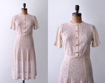 1940's pink lace dress. pastel. 40's floral dress. sheer. buttons. 1940 medium dress.