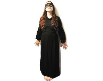 Vintage Gothic 1970s Maxi Dress. Black. Lace and Pleat Bodice. Unique. Petite. (see description for measurements & condition).