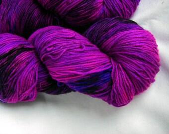Superwash Wool and Nylon Fingering - Super Tough Sock Yarn - Achilles Sock - Electric Avenue
