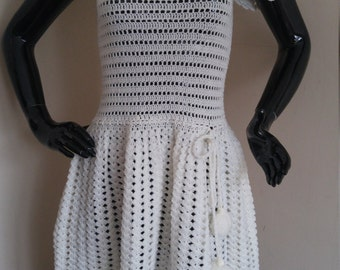 Vintage Scalloped Crochet Dress 1960's-70's