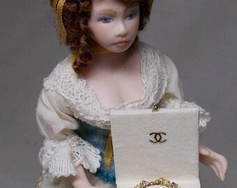 Dollhouse Miniature Diamond & Pearl Necklace in a box