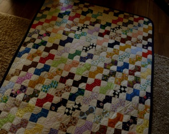 """HANDMADED Hand Quilted Bow Tie Pieced Quilt Cotton 58"""" x 76"""" Twin Size"""