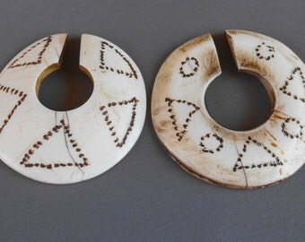 Conch shell Nagaland Naga tribal earrings / 2 inch diameter