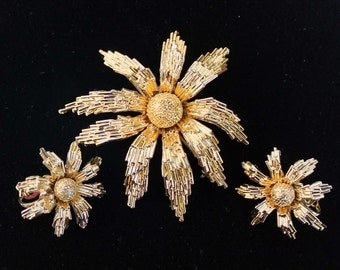 Avon of Belleville (Boucher) Textured Gold-Plated Brooch and Earring Floral Set - Inventory Numbers 4335 and 4337