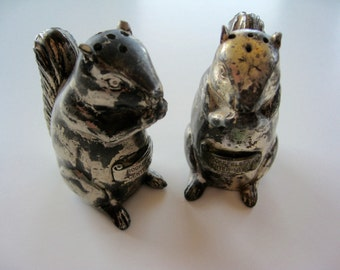 SQUIRRELS   Salt and Papper Shakers Rockefeller Center New York Souvenir Heavy   2 1/2""