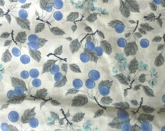 Blueberry and Floral Print on White Background Light Weight Cotton Fabric 3 Yards X0549
