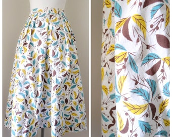 1940s Printed yellow turquoise brown cotton day skirt / 40s pleated novelty print skirt - S