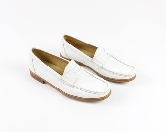 VINTAGE White Loafers Womens Leather Shoes Size 6.5