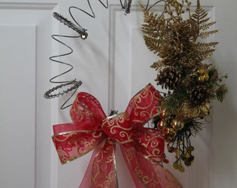 Gold Christmas Holiday Wreath Bed spring Wreath