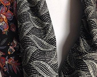 Reversible Cotton Wool Infinity Scarf, Black White Fabric Collar, Fall Winter Neckwarmer