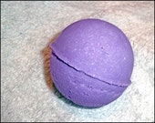 Parma violet fragranced bath bomb