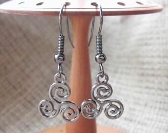 Celtic triskele triskelion dangle earrings - Pagan drops dangles Welsh Irish Scottish Manx