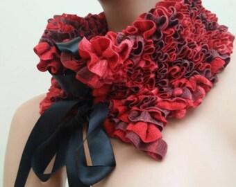 Elegant knitted neck collar