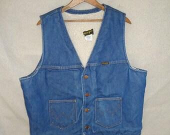 SALE Blue Jean WRANGLER Vintage 1970's Men's Sherpa Lined Denim Vest XL Workwear